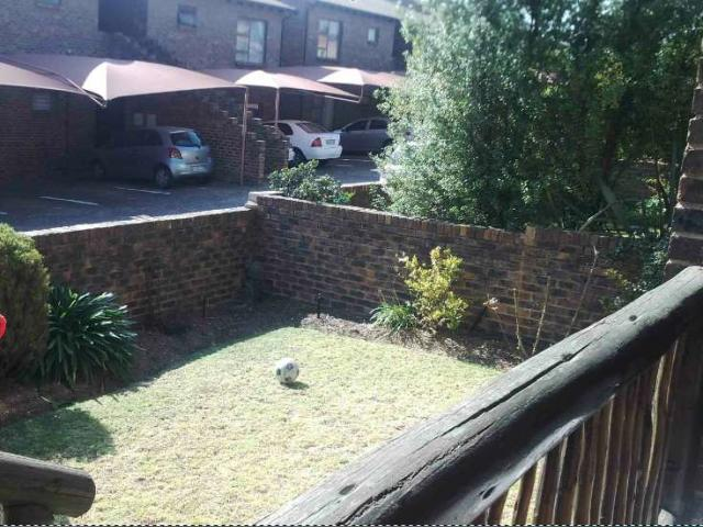 2 Bedroom Sectional Title For Sale in Randburg - Home Sell - MR093386