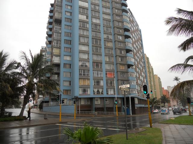 Apartment for Sale For Sale in Durban Central - Private Sale - MR093390