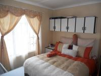 Main Bedroom - 12 square meters of property in Mariann Heights
