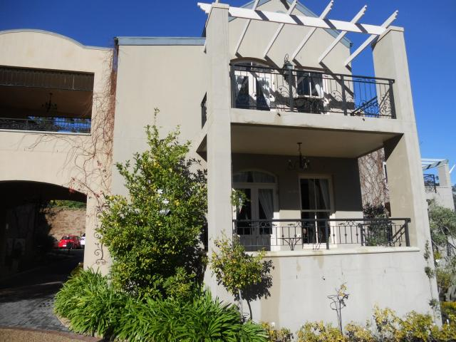 1 Bedroom Apartment For Sale in Franschhoek - Home Sell - MR093417