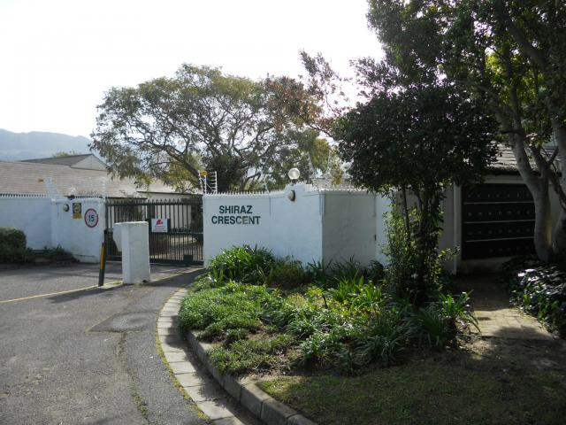 Absa Bank Trust Property 2 Bedroom House for Sale For Sale in Constantia CPT - MR093487