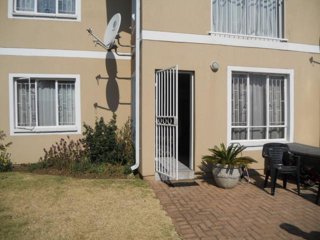 2 Bedroom Sectional Title For Sale in Boksburg - Private Sale - MR093503