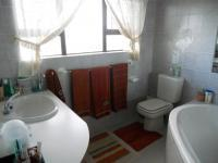 Main Bathroom - 8 square meters of property in Mossel Bay