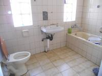 Bathroom 1 - 5 square meters of property in Mayfair