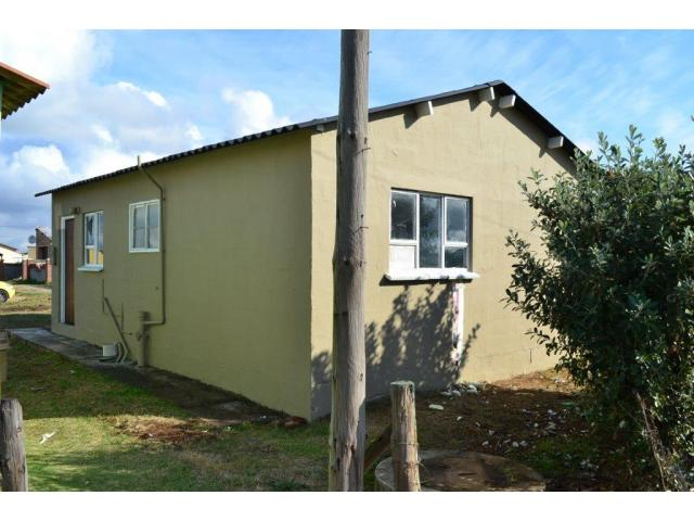 2 Bedroom House For Sale in Motherwell - Private Sale - MR093593