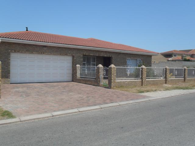 House for Sale For Sale in Saldanha - Home Sell - MR093595