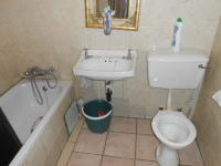 Main Bathroom - 3 square meters of property in Silverton
