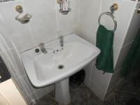 Bathroom 1 - 3 square meters of property in Wolmer