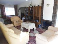 Lounges - 23 square meters of property in Dersley