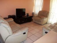 Lounges - 29 square meters of property in Parklands