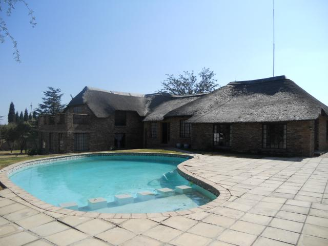 Smallholding For Sale in President Park A.H. - Home Sell - MR093677