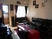 Lounges - 12 square meters of property in Haddon
