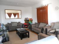 Lounges - 24 square meters of property in South Hills