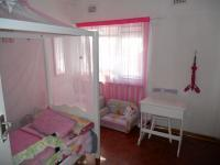 Bed Room 1 - 14 square meters of property in Amanzimtoti