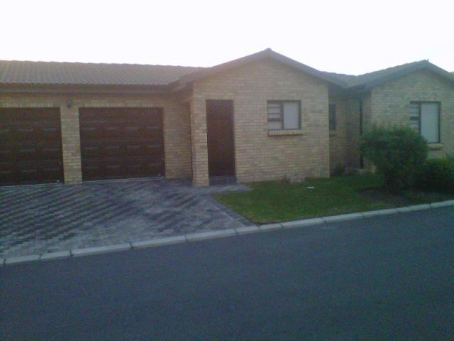 3 Bedroom House for Sale For Sale in Gordons Bay - Private Sale - MR093721
