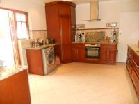 Kitchen - 18 square meters of property in Robindale