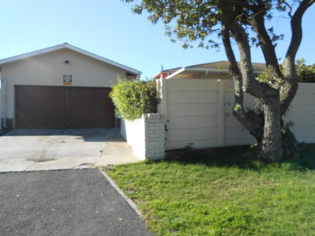 Standard Bank EasySell 4 Bedroom House for Sale For Sale in Milnerton - MR093807