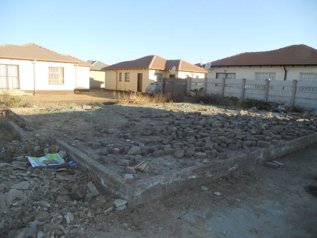 3 Bedroom House For Sale in Vanderbijlpark C.E. 4 - Private Sale - MR093813