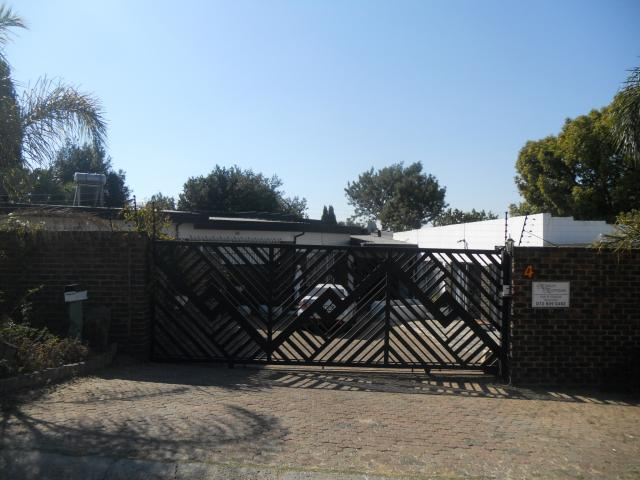 3 Bedroom House for Sale For Sale in Weltevreden Park - Private Sale - MR093832