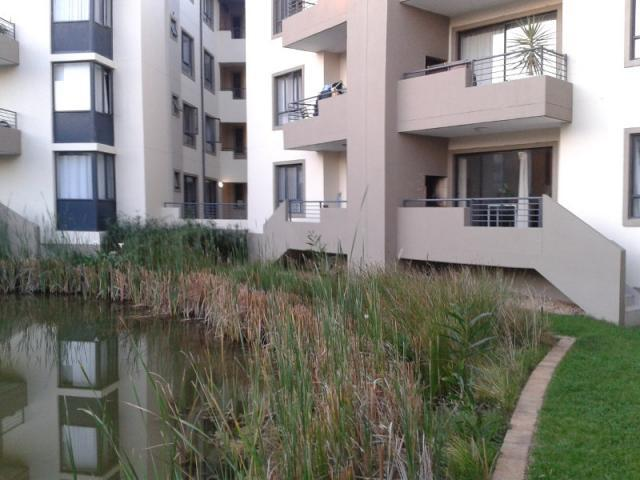 2 Bedroom Apartment to Rent To Rent in Somerset West - Private Rental - MR093840