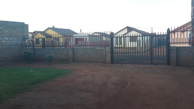 2 Bedroom House For Sale in Soshanguve - Home Sell - MR093848