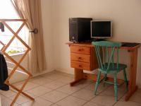 Bed Room 1 - 10 square meters of property in Garsfontein