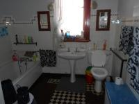 Main Bathroom - 35 square meters of property in Nigel