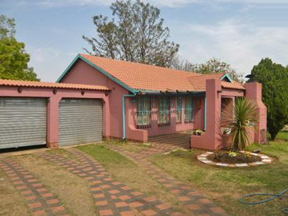 3 Bedroom House For Sale in Brakpan - Home Sell - MR09405