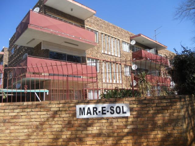2 Bedroom Apartment for Sale For Sale in Vanderbijlpark - Home Sell - MR094099