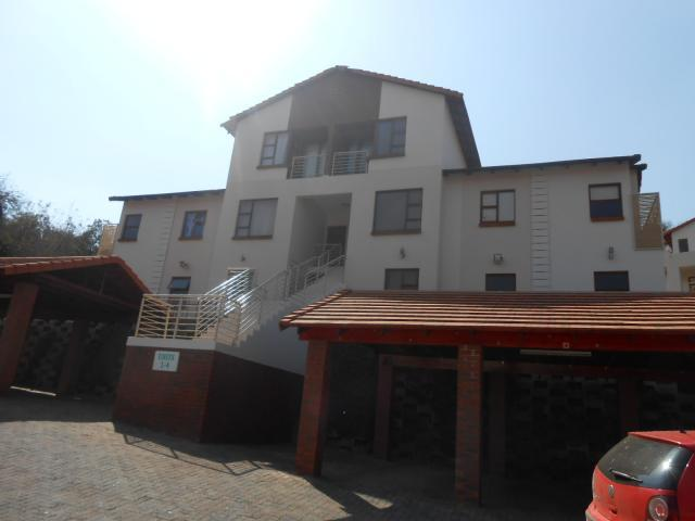 2 Bedroom Sectional Title For Sale in Rustenburg - Private Sale - MR094104