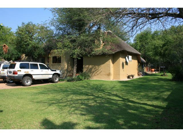 2 Bedroom House for Sale For Sale in Hoedspruit - Private Sale - MR094163
