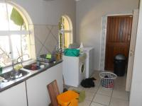 Kitchen - 36 square meters of property in La Montagne