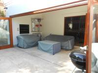 Patio - 20 square meters of property in Sunninghill