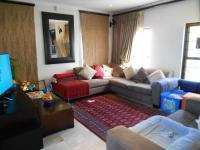 Lounges - 21 square meters of property in Sunninghill