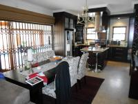 Dining Room - 14 square meters of property in Sunninghill