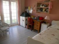 Bed Room 1 - 16 square meters of property in Somerset West