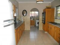 Kitchen - 20 square meters of property in Glenvista