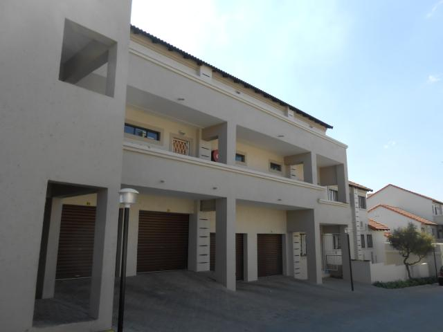 Standard Bank EasySell 3 Bedroom Apartment for Sale For Sale in Noordwyk - MR094289