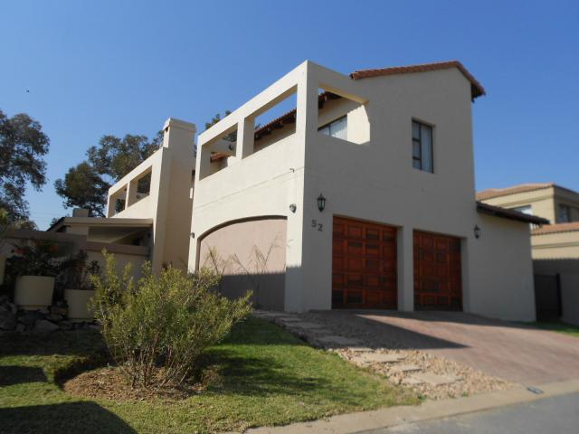 3 Bedroom House for Sale For Sale in Fourways - Private Sale - MR094291