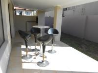 Patio - 67 square meters of property in Fourways