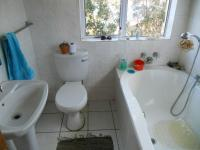 Main Bathroom - 10 square meters of property in Tergniet