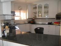 Kitchen - 24 square meters of property in Boskruin
