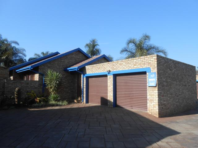 3 Bedroom Simplex for Sale For Sale in Centurion Central (Verwoerdburg Stad) - Home Sell - MR094446