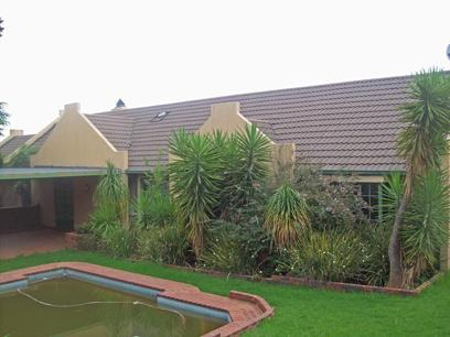 Standard Bank Repossessed 4 Bedroom House For Sale in Sundowner - MR09445