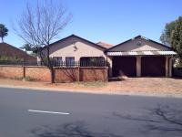 3 Bedroom 1 Bathroom House for Sale for sale in Lenasia South