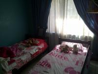 Bed Room 1 of property in Lenasia South
