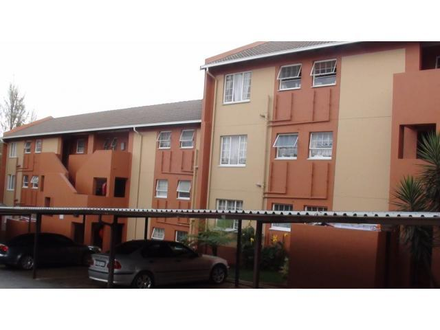 2 Bedroom Apartment for Sale For Sale in Weltevreden Park - Private Sale - MR094542
