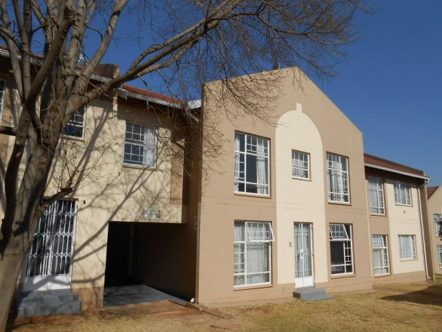 3 Bedroom House for Sale For Sale in Centurion Central (Verwoerdburg Stad) - Home Sell - MR094578