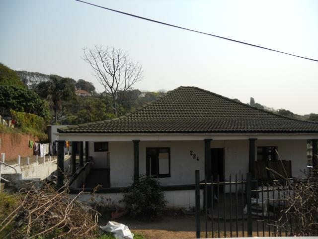 Standard Bank Repossessed 3 Bedroom House for Sale on online auction in Seaview  - MR094584
