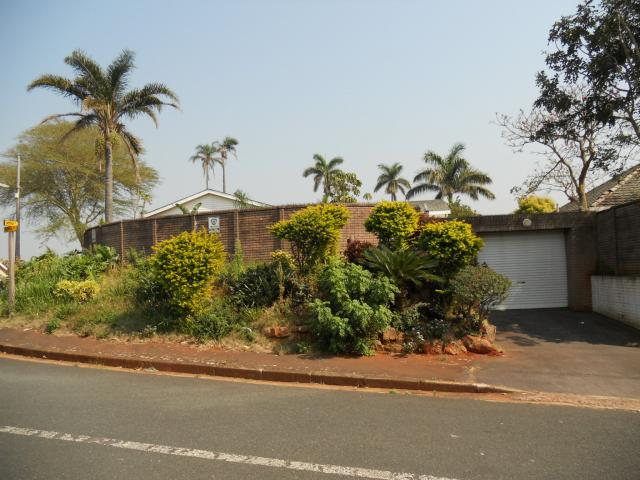 Standard Bank Repossessed 3 Bedroom House on online auction in Cato Manor  - MR094601